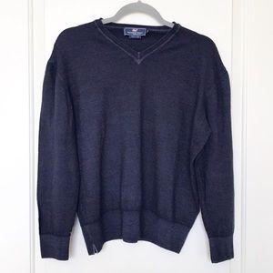 VINEYARD VINES • 100% Merino Wool V Neck Sweater